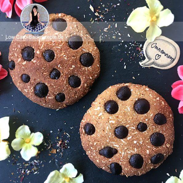 Süße Low Carb Kokos-Macadamia-Cookie-Brötchen